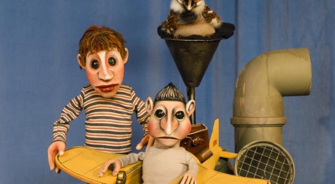 """Moussong Theater mit Figuren, """"Der Talentdieb"""", Jim, Spatz und der Schutzdodel; Foto: Guido Köninger, AugsburgJim, Spatz und der Schutzdodel"""